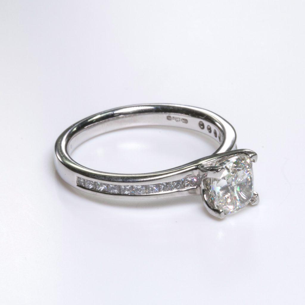 Hatton Garden Diamond Ring 1
