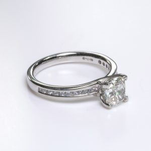 Hatton Garden Diamond Ring