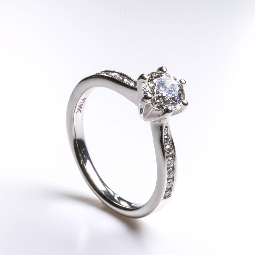 Hatton Garden Diamond Ring 3