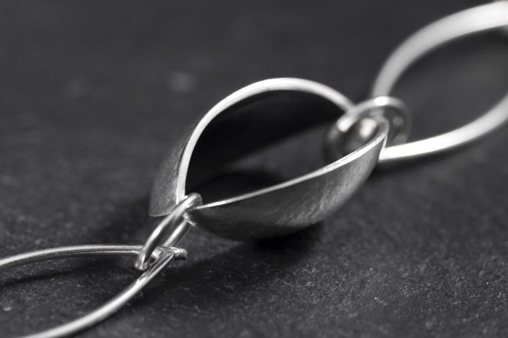 Grant Forsyth Chain Detail